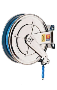 HOSE AND REEL, FOOD SAFE 304 STAINLESS CONSTRUCTION. PERFECT FOR WASHING DOWN, PROCESSING OPERATIONS AND HYGENE ON SITE. NO TRACE SYNTHETIC RUBBER FOR HOT WATER USE. GREAT TO ENSURE THE HIGHEST HYGIENE STANDARDS.  HIGHEST QUALITY- MADE IN ITALY.