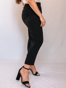 SLIM CROPPED PANTS - BLACK