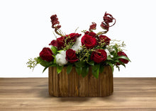 Load image into Gallery viewer, Takkoush Flowers | Holiday Roses