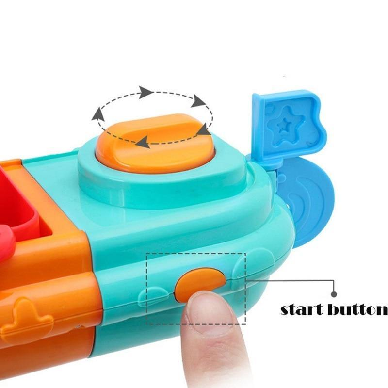 Fun&Games Bath Boat Water Squirt Toy - tinyjumps