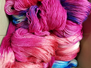 Fingering Weight Superfine Single Superwash Merino Yarn - Fantastic Fuschia