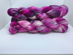 Fingering Weight Superfine Single Superwash Merino Yarn - Corona Social Distance