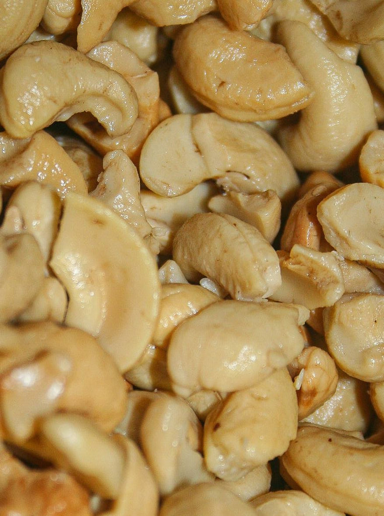 Cashews: Pieces - Hillson Nut Company