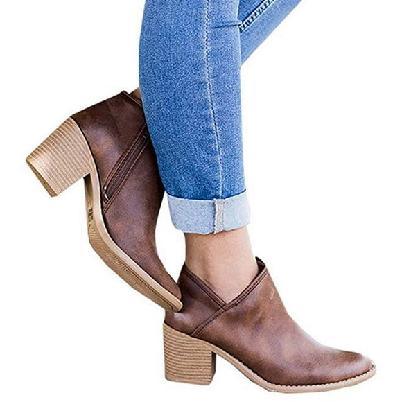 Oeak Pointed Ankle Boots