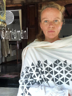 Long Boho Cotton Wrap Shawl / Autumn Scarf for Women / Atua White & Black - ChintamaniAlchemi