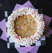 Load image into Gallery viewer, Vegan Mini Cookie Cake -PICK UP ONLY