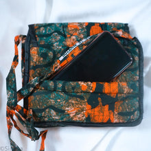 "Load image into Gallery viewer, Cross Body Bags gift with code ""FREE"""