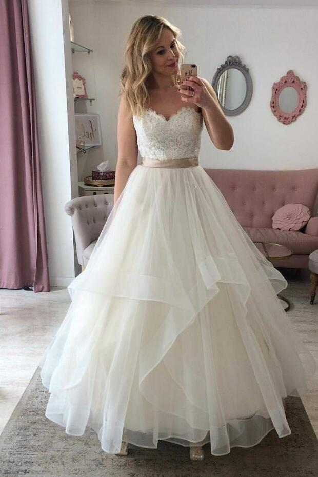 Elegant A Line Sweetheart Organza Ivory Lace Wedding Dresses With Belt 2020