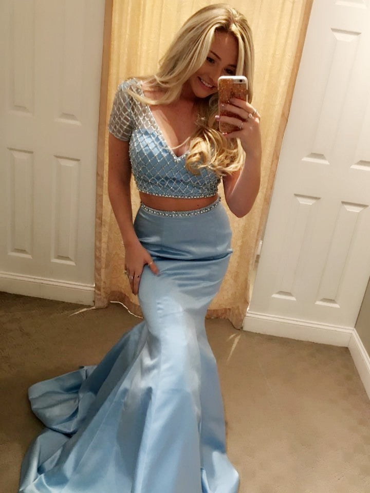 2020 New Designer Blue Mermaid Short Sleeves Beaded V Neck Two Pieces Prom Dress