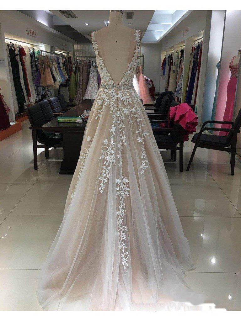 2020 Elegant Champagne A-Line/Princess Applique Beaded V Neck Sleeveless Tulle Prom Dresses