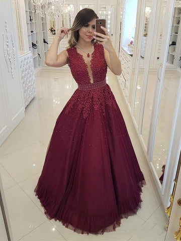 2020 Charming A-Line/Princess V Neck Sleeveless Applique Beaded Tulle Prom Dresses