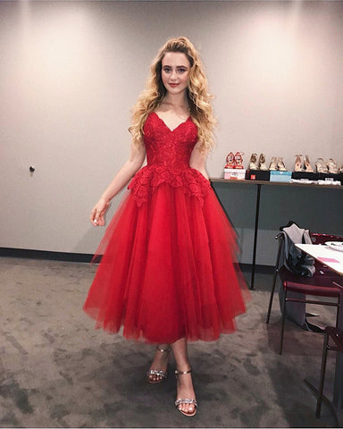 Ball Gown V Neck Spaghetti Straps Tulle Pleated Red Lace Appliques Homecoming Dresses