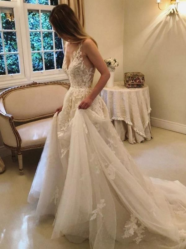 2021 New Arrival A Line/Princess V Neck Tulle With Applique Backless Long Wedding Dresses / Bridal Gowns