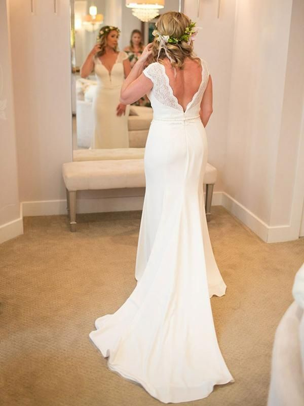 Charming Sweetheart Satin Long Backless Capped Sleeves Beach Wedding Dresses / Bridal Gowns 2021
