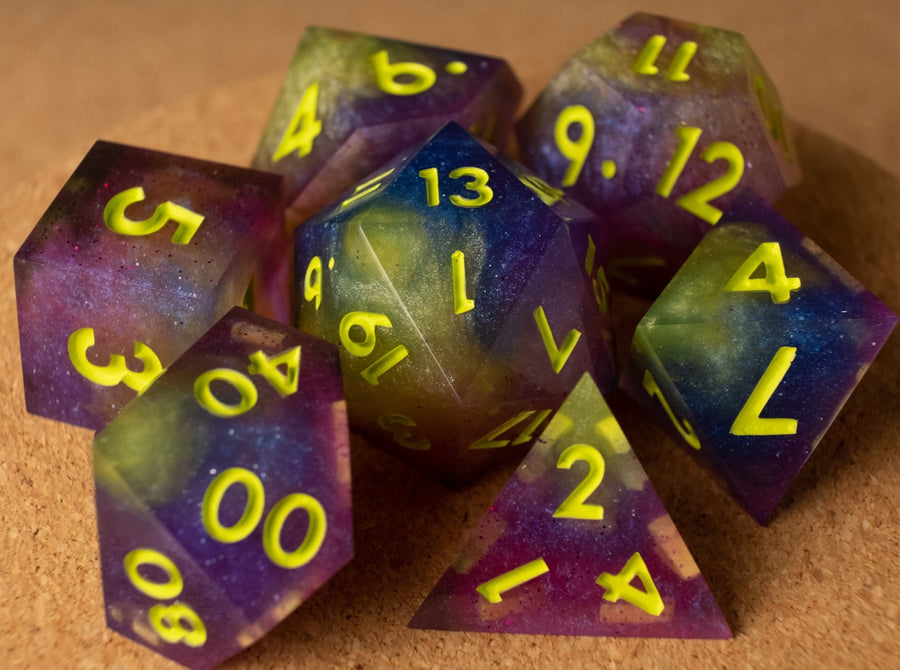 Tie-dye dice set w/matte lime ink