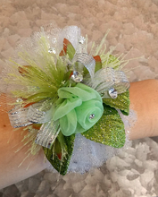 Load image into Gallery viewer, Green & White Wrist Corsage