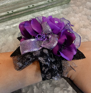 2019 Black and Purple Corsage Set