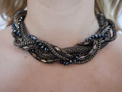 Nerine - Gunmetal Necklace