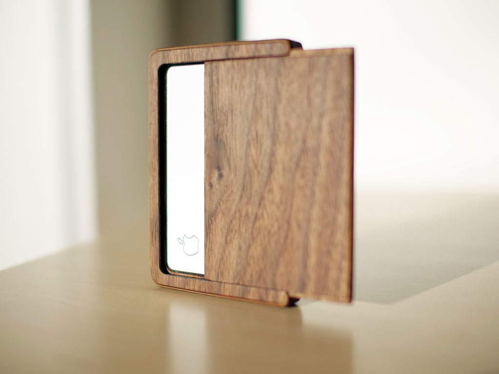 apple card wood case