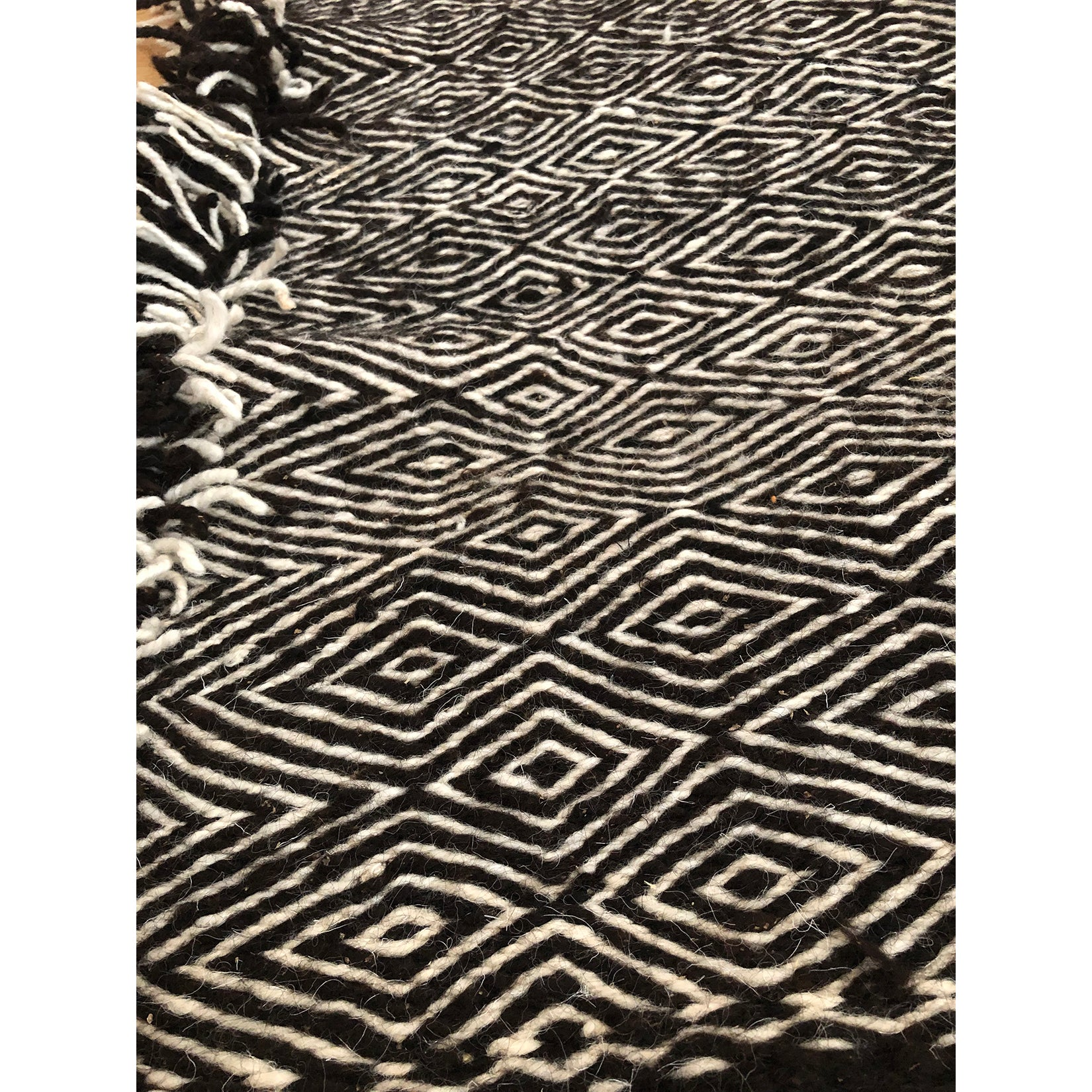 ZAKIYA - High Atlas black and white Moroccan throw - Kantara | Moroccan Rugs