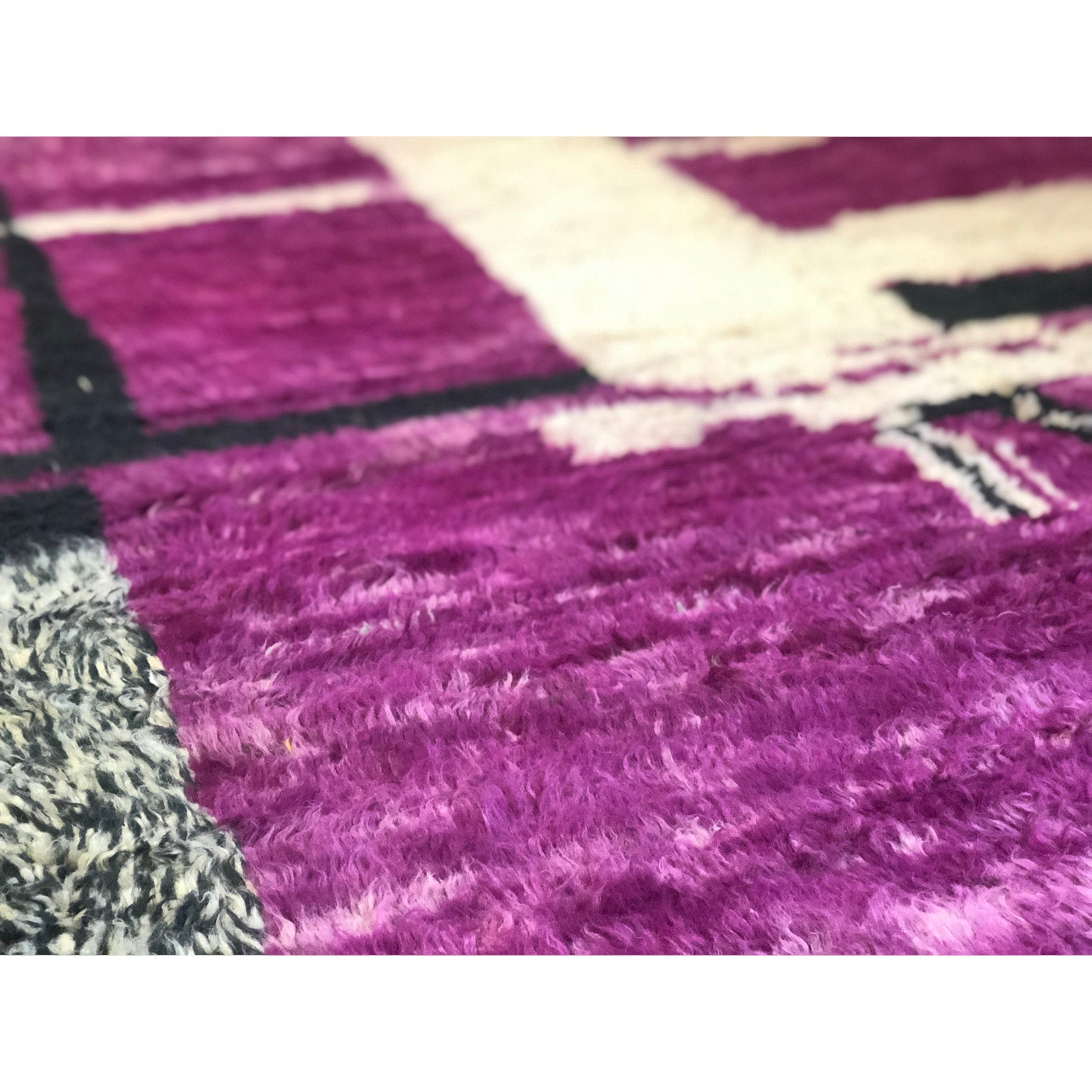 Vintage bohemian chic purple and black rug - Kantara | Moroccan Rugs