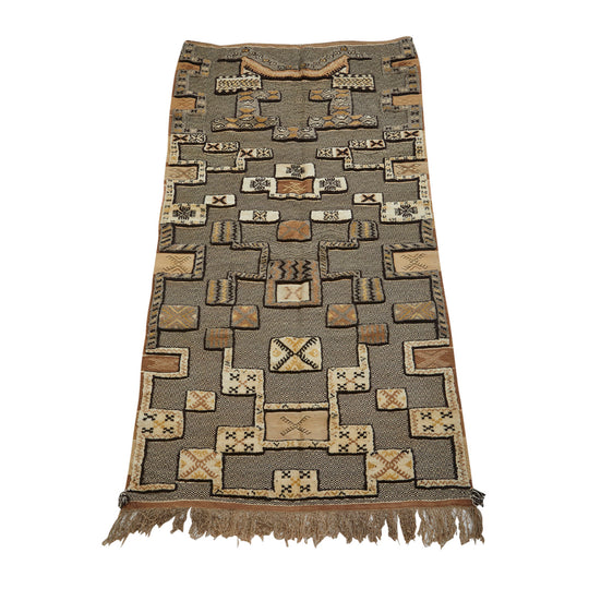 Authentic golden geometric berber carpet with zanafi weaving from Taznakht Ouarzazate - Kantara | Moroccan Rugs