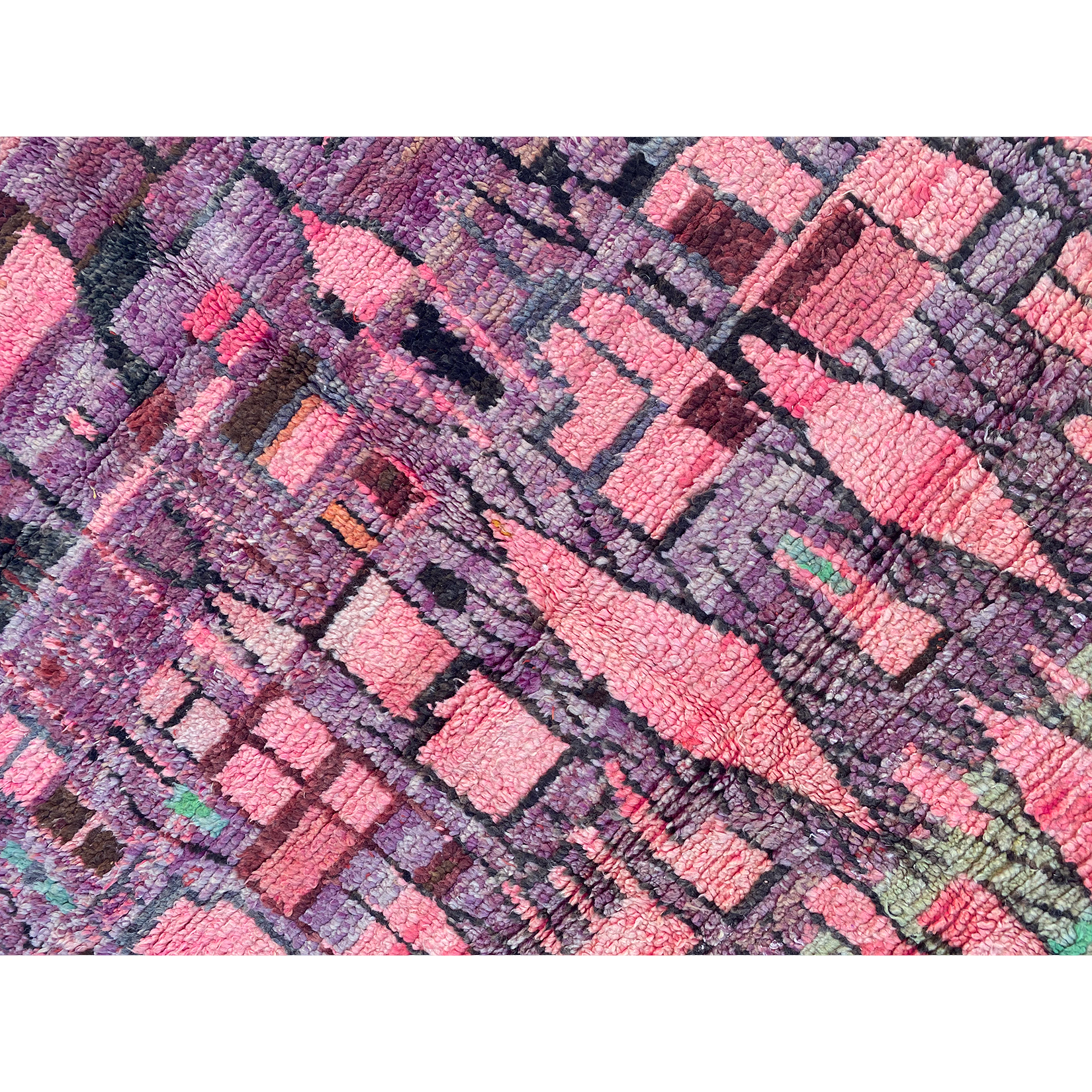 Lively Moroccan rug with abstract pattern design - Kantara | Moroccan Rugs