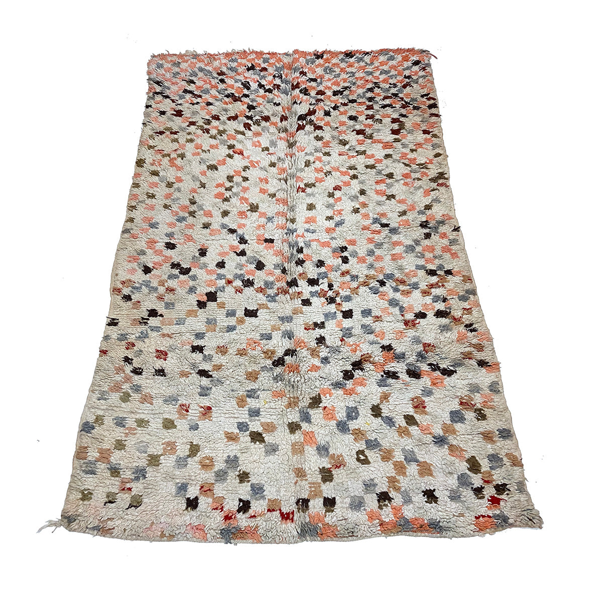 White checkerboard Moroccan rug with pink details - Kantara | Moroccan Rugs