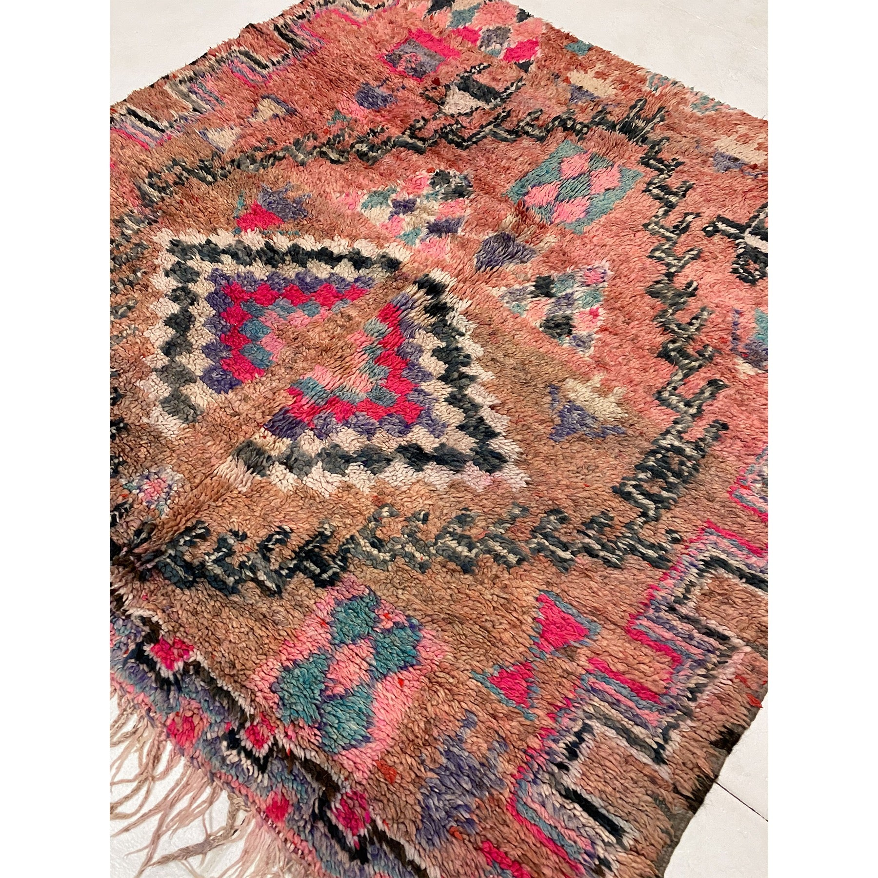 Tribal Moroccan berber rug with geometric pattern - Kantara | Moroccan Rugs