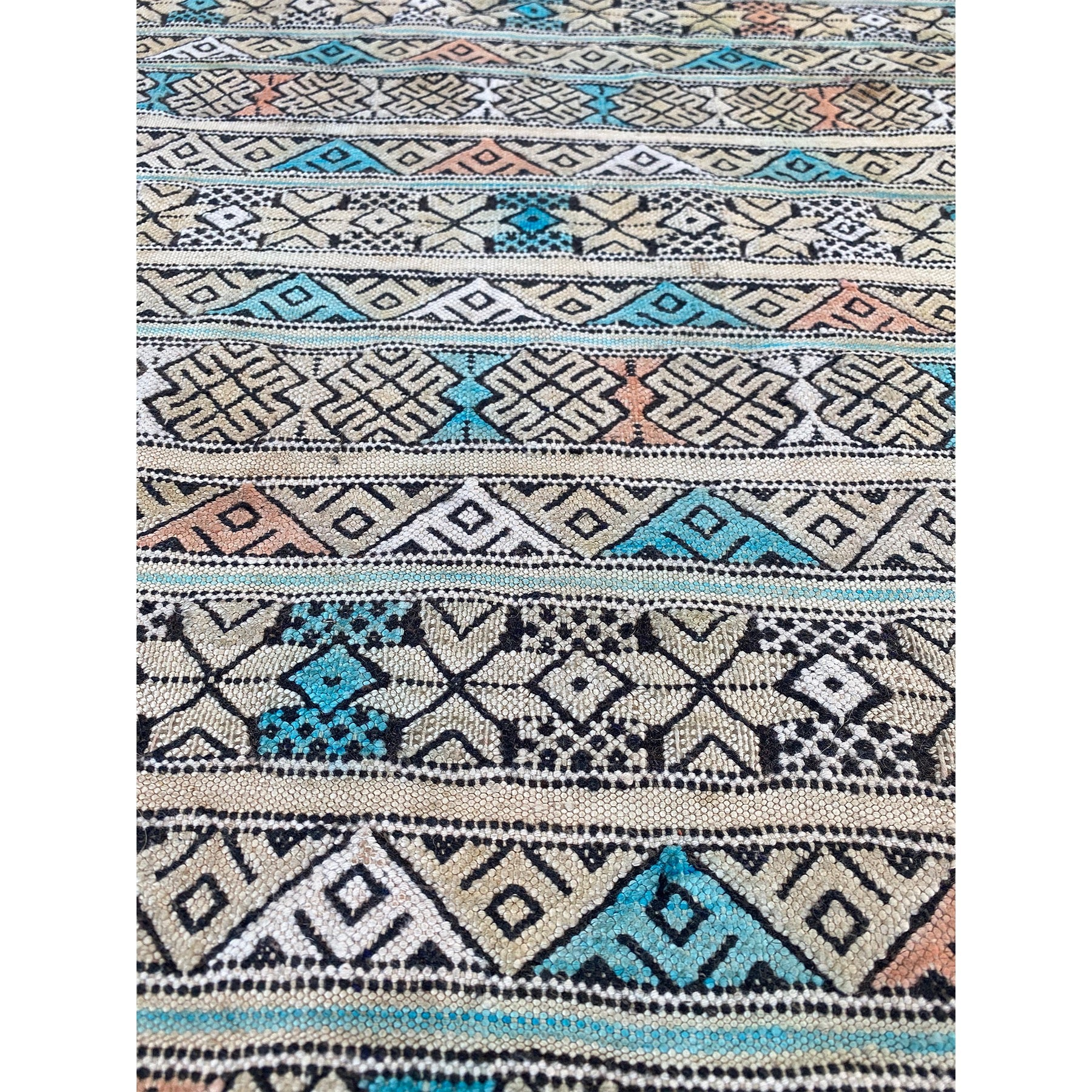 Vintage tribal flatwoven Moroccan runner rug with blue and pink details - Kantara | Moroccan Rugs