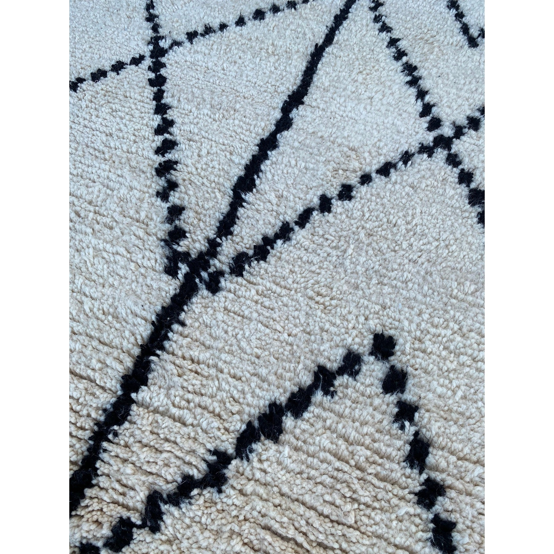 Black and white Moroccan entryway rug - Kantara | Moroccan Rugs