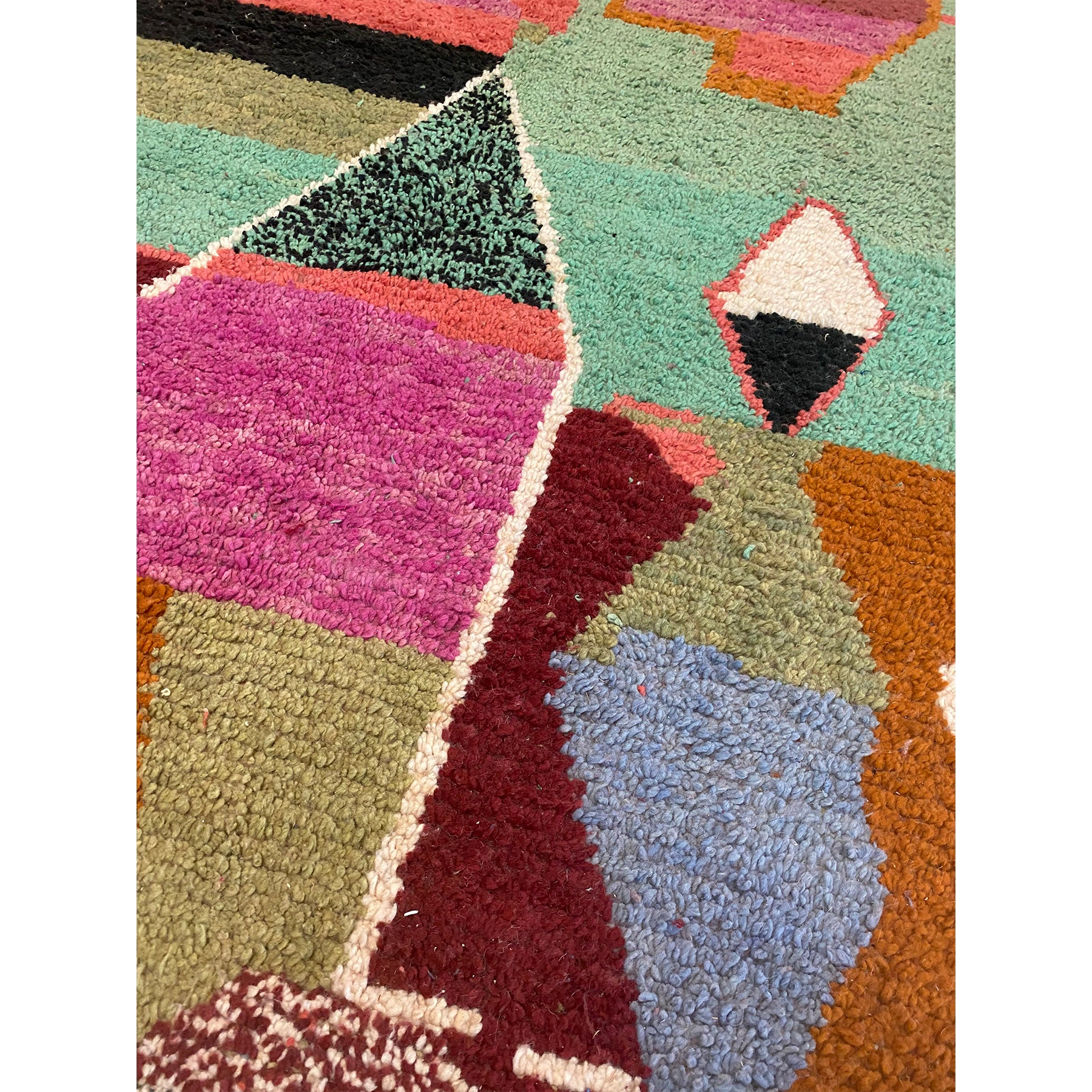Art deco Boujaad style Moroccan berber carpet with abstract motifs - Kantara | Moroccan Rugs