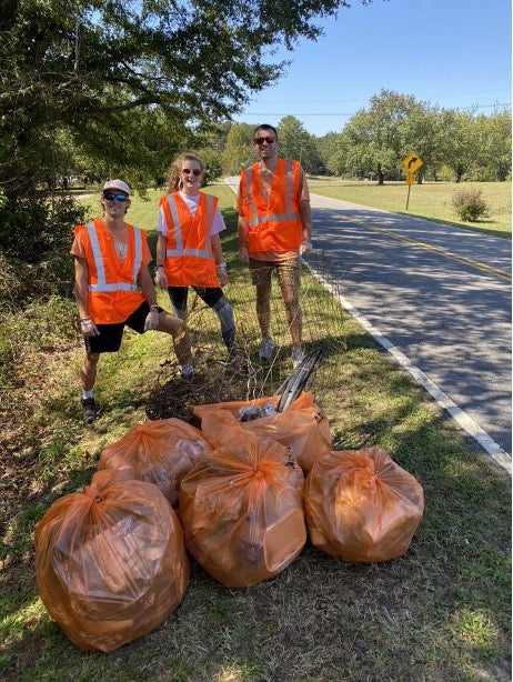 Cleaning trash off state highways