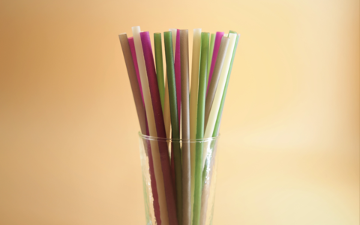 straws in a cup
