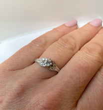 Load image into Gallery viewer, 18CT WHITE GOLD SOLITAIRE