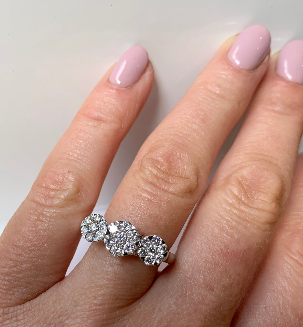 Three cluster diamond ring