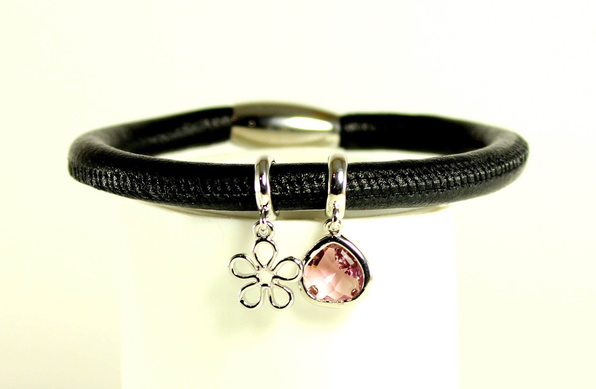 Sparkle Chic Bracelet-Flower Gem