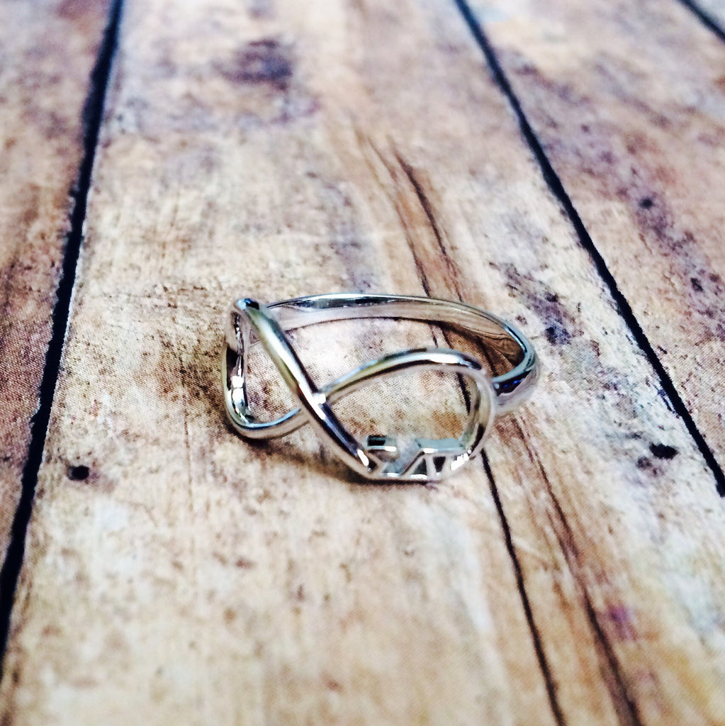 Sigma Delta Tau Infinity Ring (Silver)