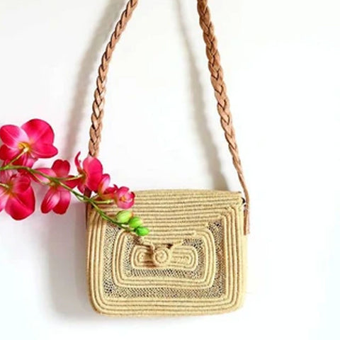 RAFFIA DETAILED STRAW BAG
