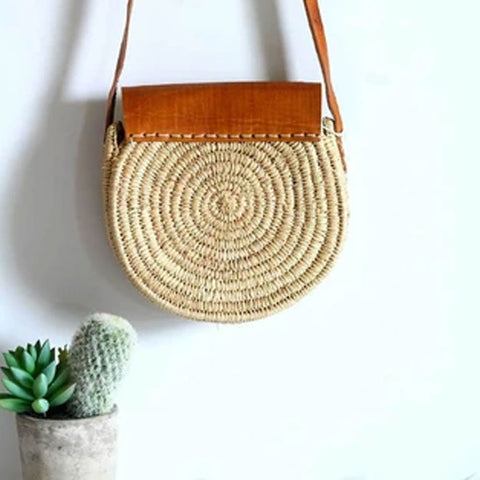 ROUND RAFFIA CHESTNUT STRAW BAG