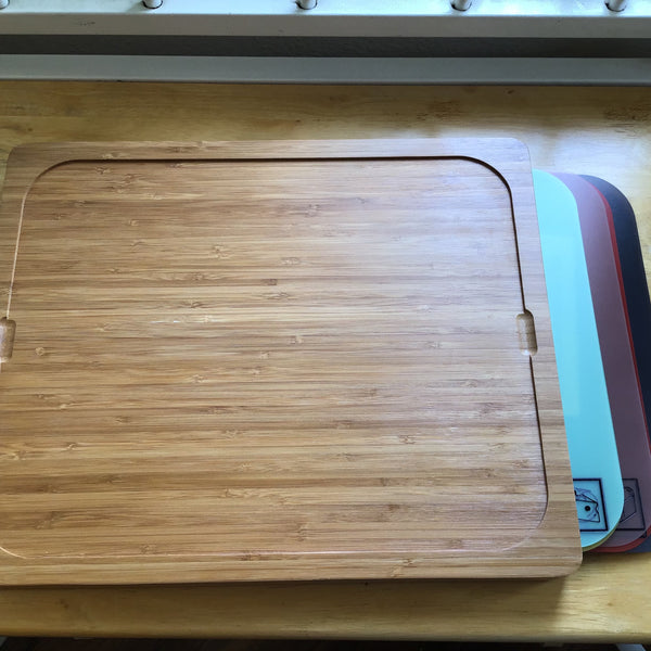 Seville Classics Cutting Board with 7 Mats