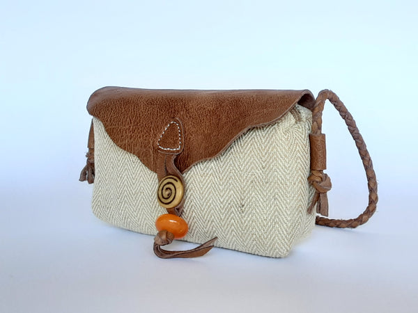 Hemp and Leather Purse / Made in Nepal