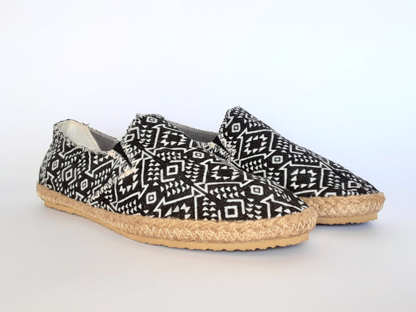 Hemp Handmade Slip-On Men's Shoes / Black and White Diamonds