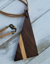 Load image into Gallery viewer, Acute Walnut Necklace