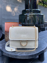 Afbeelding in Gallery-weergave laden, SUÈDE LIGHTBEIGE BAG