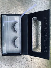 Afbeelding in Gallery-weergave laden, LASH STRIPS BY LASHDOLLS #1 STUNNING TINI