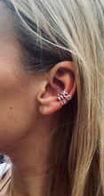 Afbeelding in Gallery-weergave laden, EAR CUFF 'LOVIE' ZILVER
