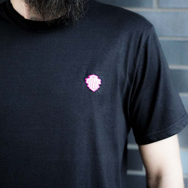 Colophon Basic Black Tee