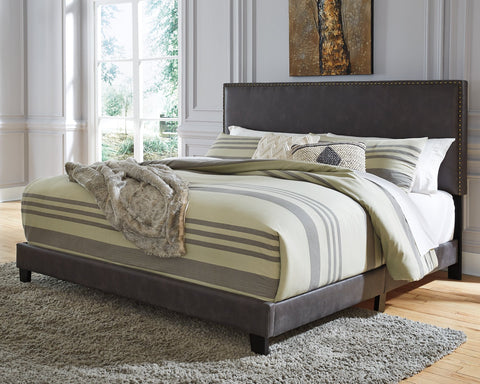Vintasso Signature Design by Ashley Bed image