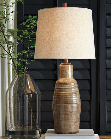 Calixto Signature Design by Ashley Table Lamp